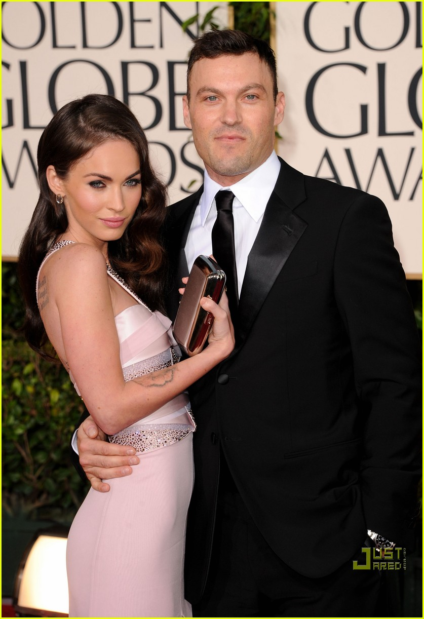 megan fox golden globes red carpet 2011 08