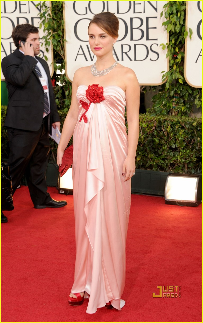 natalie portman 2011 golden globes red carpet 06