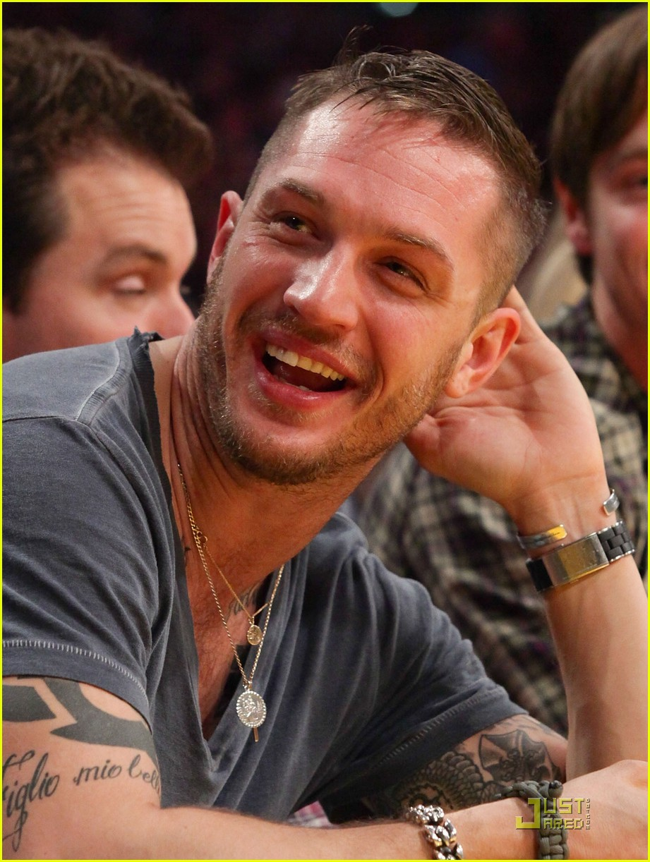 tom hardy lakers laughter 012509174
