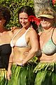 jennifer love hewitt alex beh hula in hawaii 06