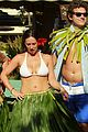 jennifer love hewitt alex beh hula in hawaii 08