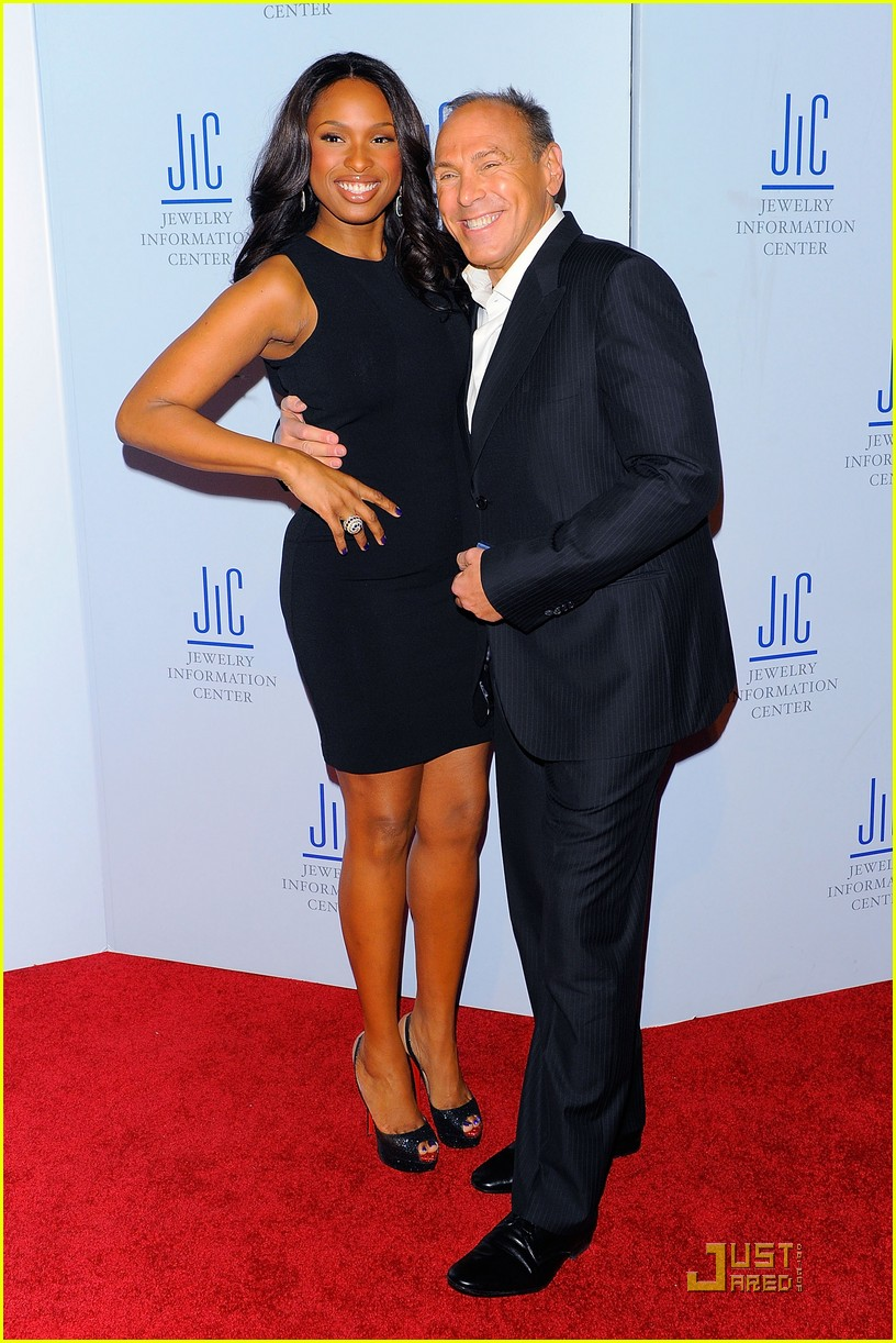 jennifer hudson gem awards with neil lane 04