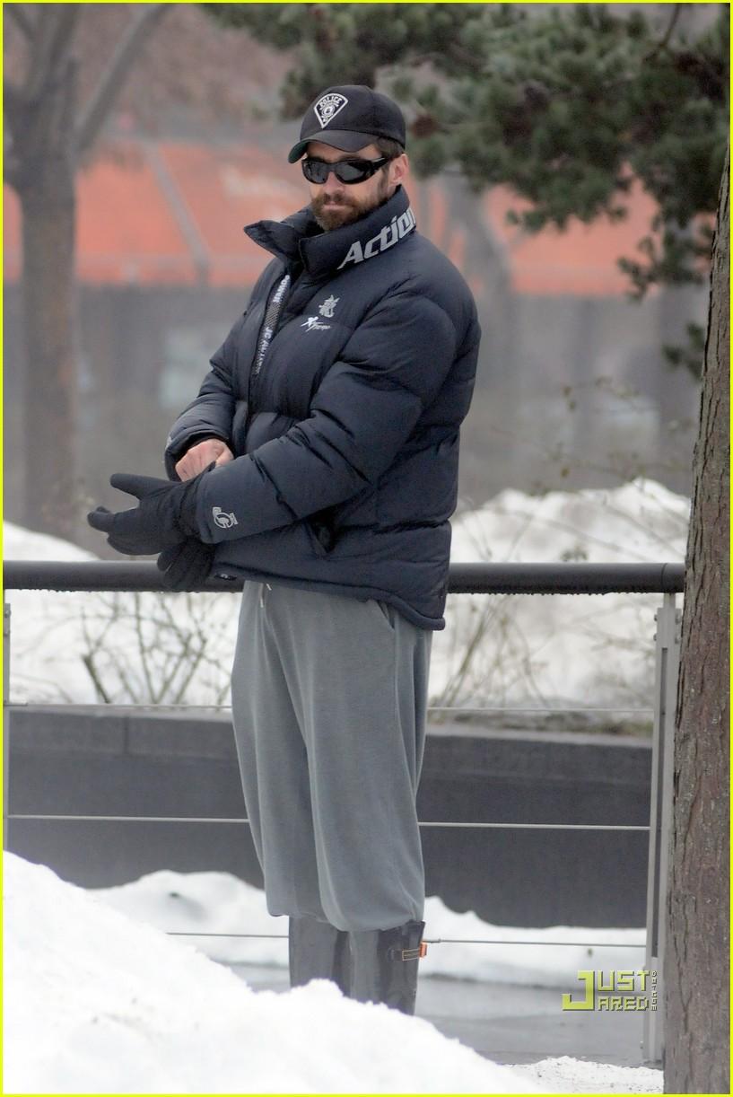 hugh jackman snowy day nyc ava oscar deborra 012507707