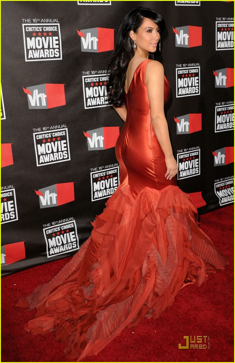 kim khloe kardashian critics choice 032511161