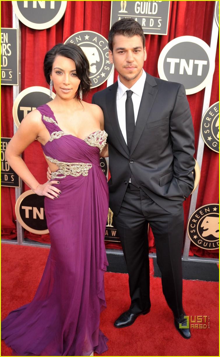 kim kardashian sag awards 2011 10