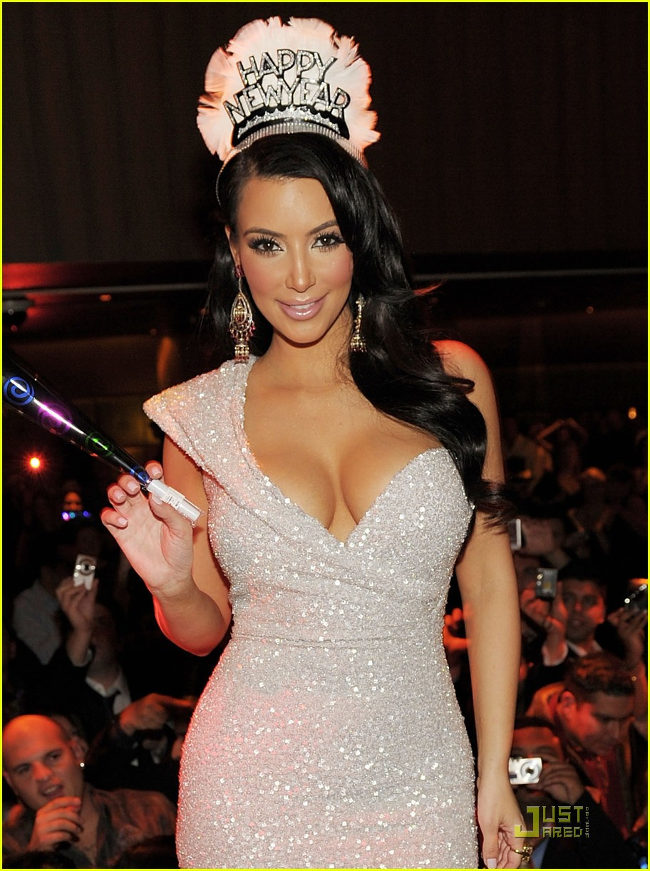 kim kardashian new years tao 062507533