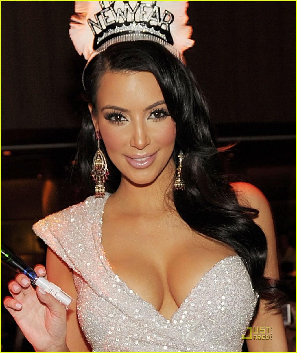 kim kardashian new years tao 072507534