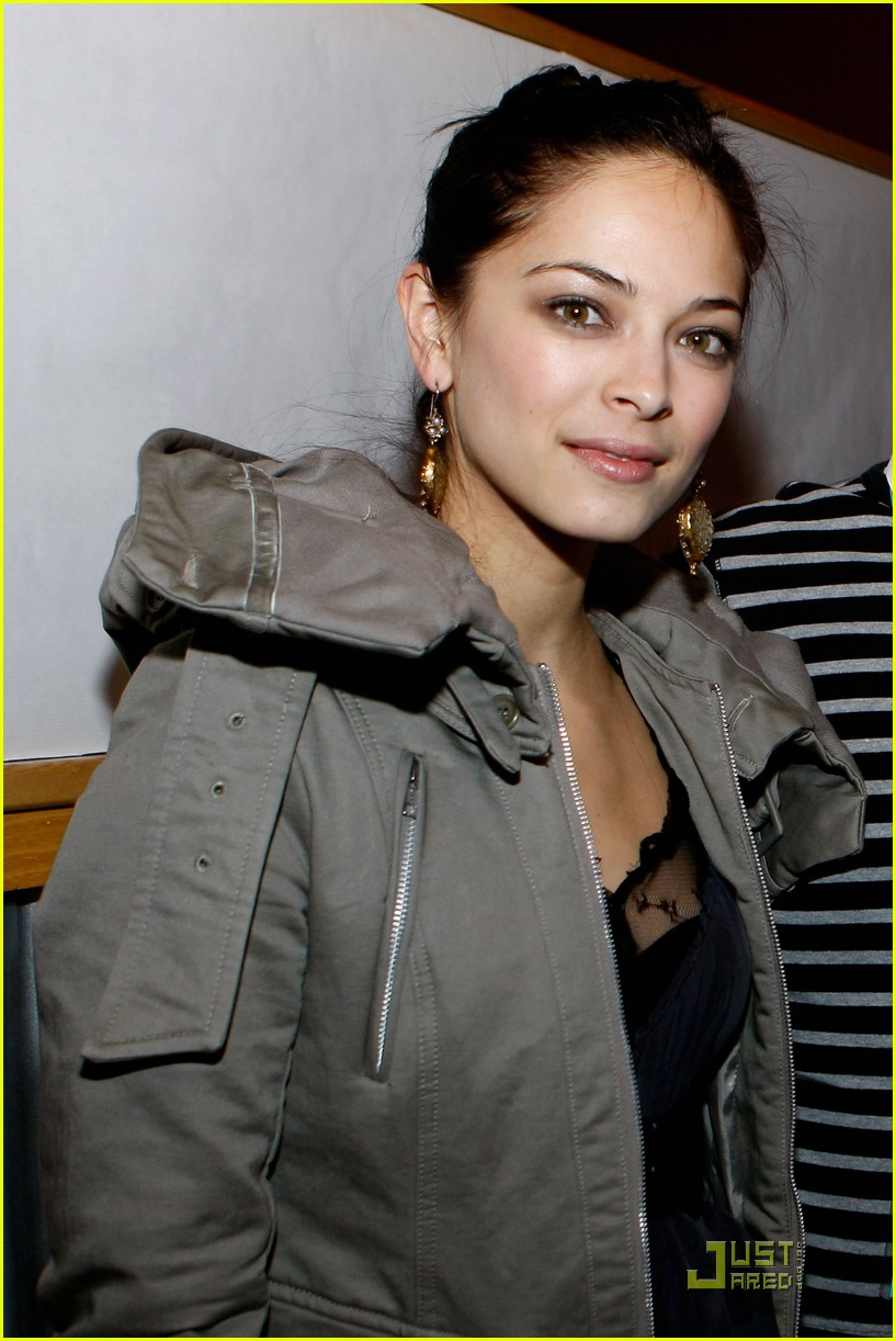 kristin kreuk vampire premiere sundance 04