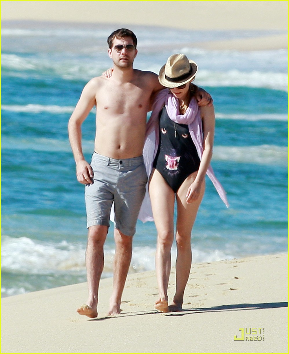 diane kruger rihanna swimsuit twins 012509764