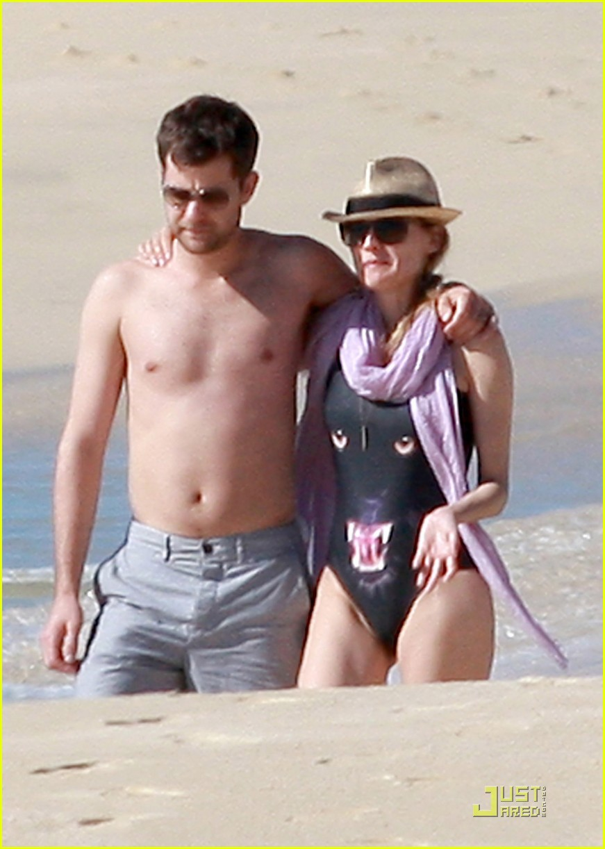 diane kruger rihanna swimsuit twins 022509765