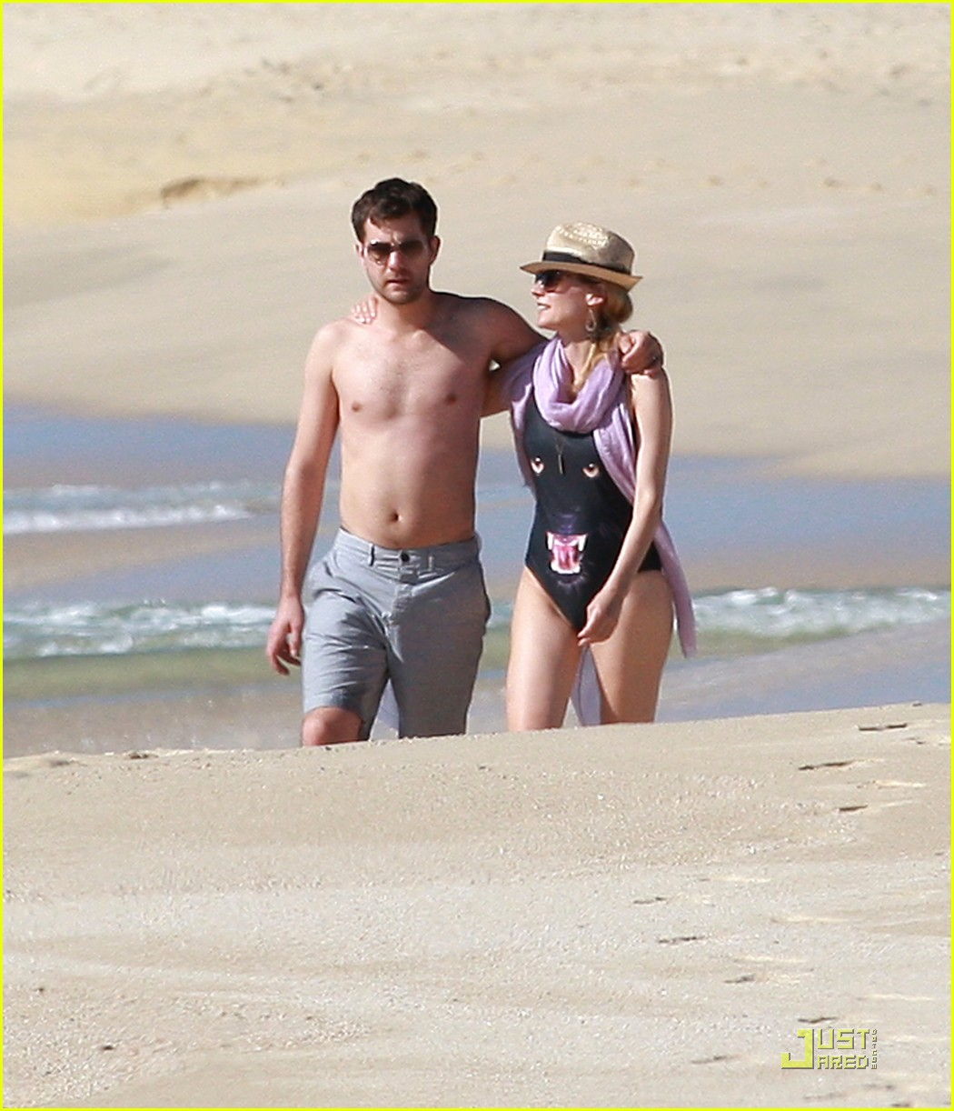 diane kruger rihanna swimsuit twins 092509772