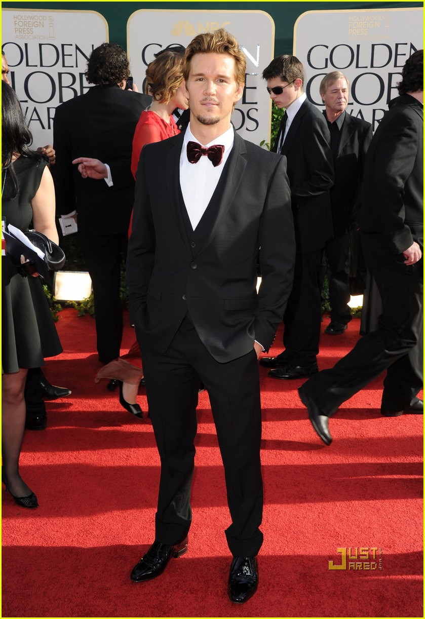 ryan kwanten 2011 golden globes red carpet 042511663