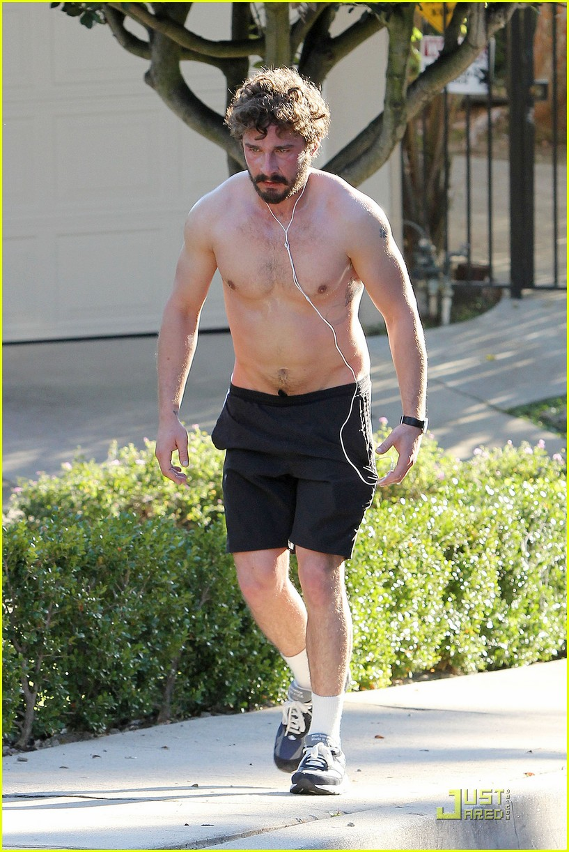 shia labeouf shirtless run 03