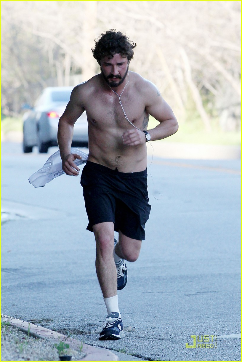shia labeouf shirtless run 04
