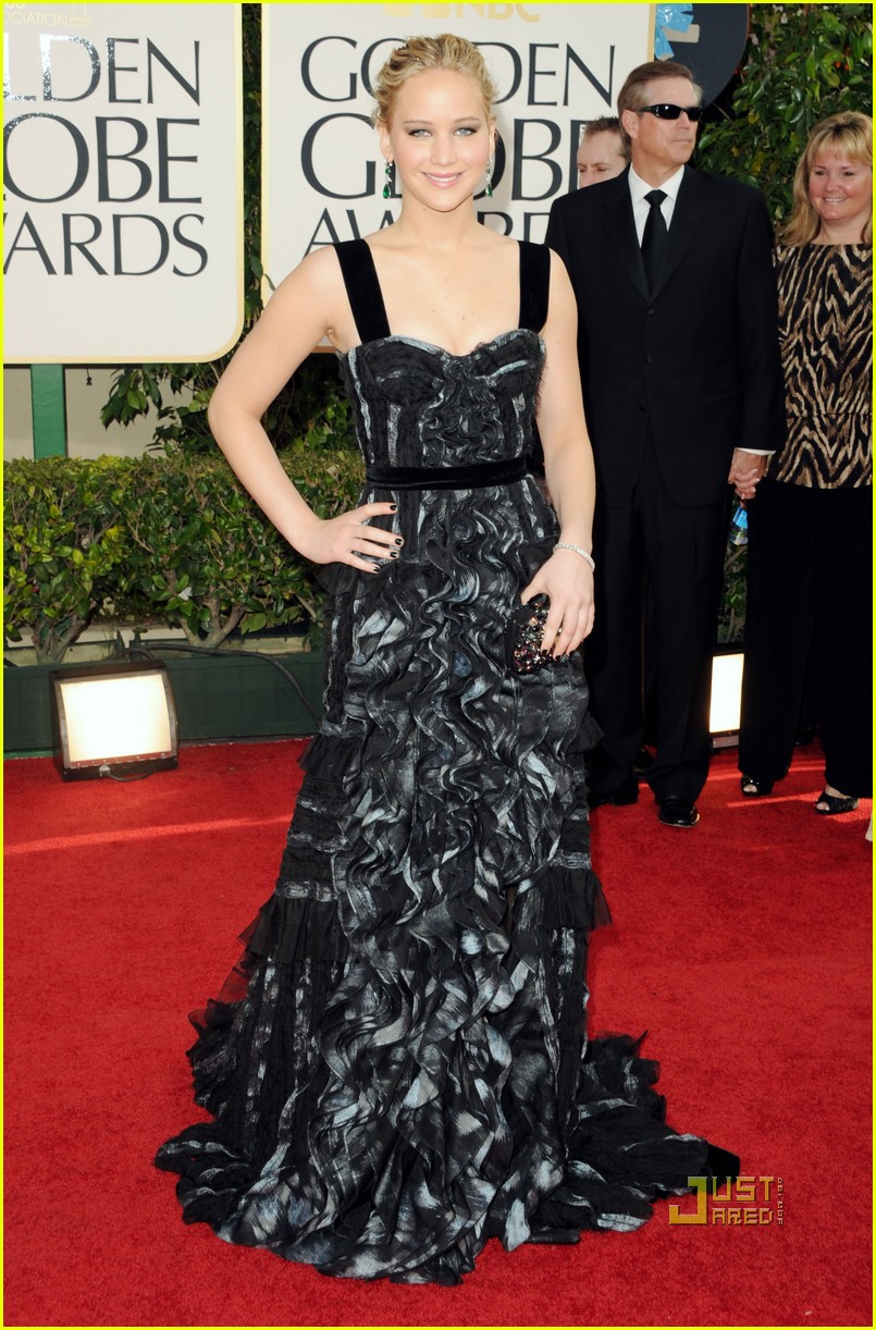 jennifer lawrence golden globes 2011 hailee steinfeld 052511711