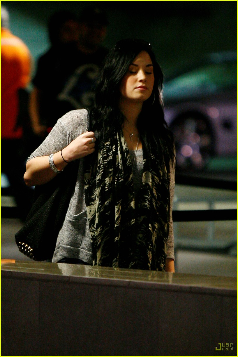 demi lovato cheesecake 07