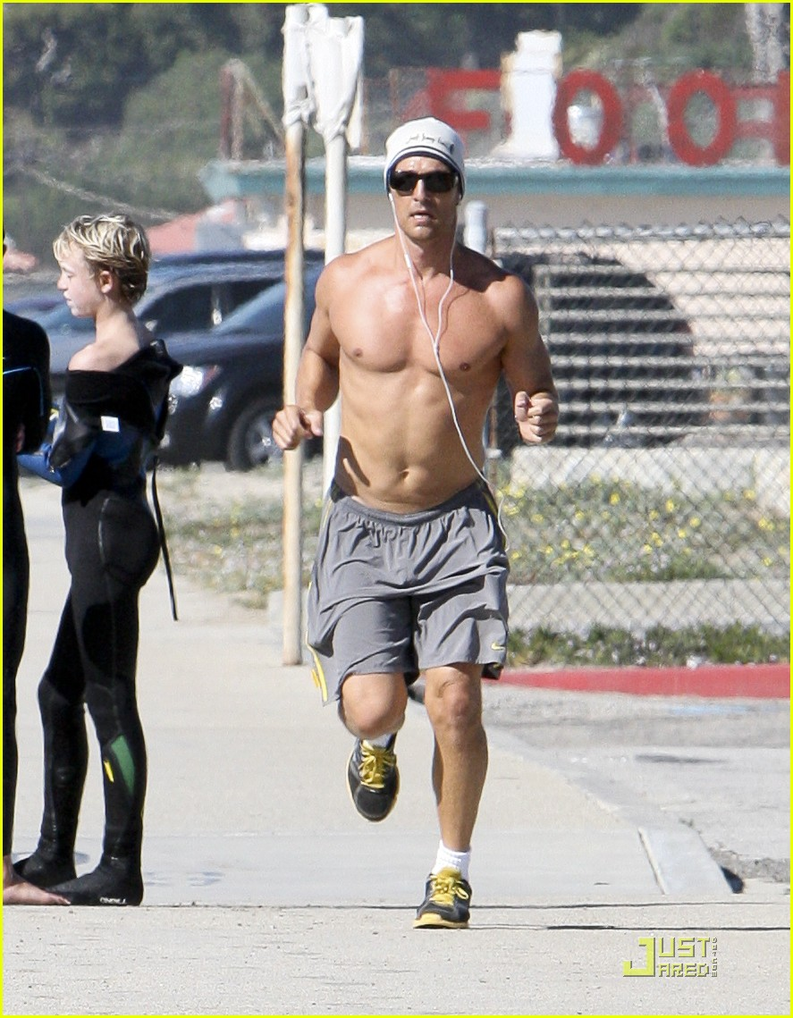 matthew mcconaughey shirtless beach run 01