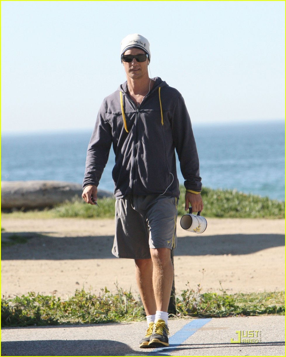 matthew mcconaughey shirtless beach run 06