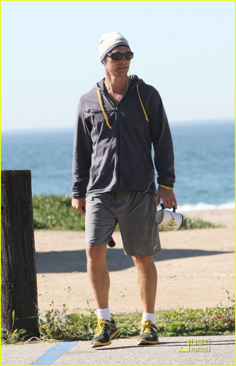 matthew mcconaughey shirtless beach run 072514030