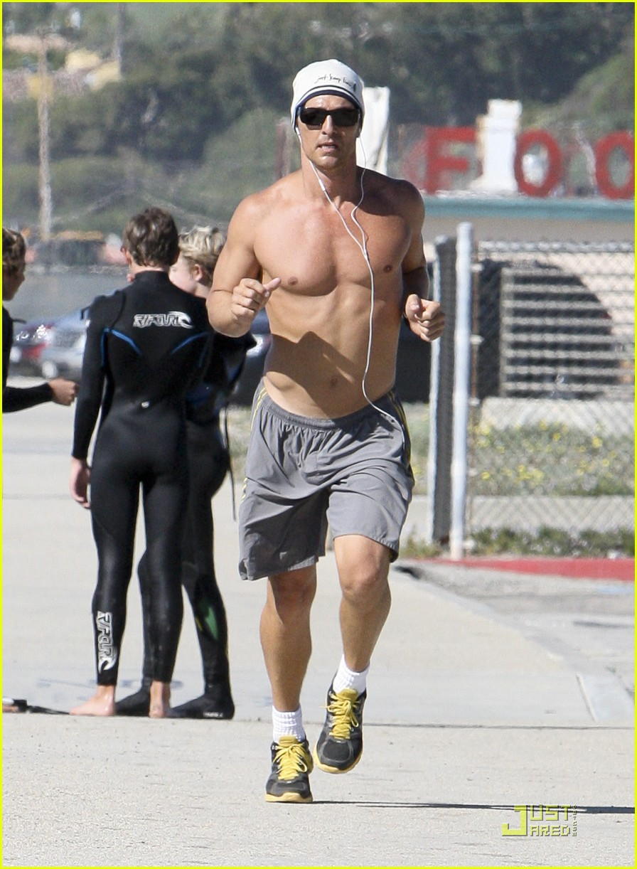 matthew mcconaughey shirtless beach run 10