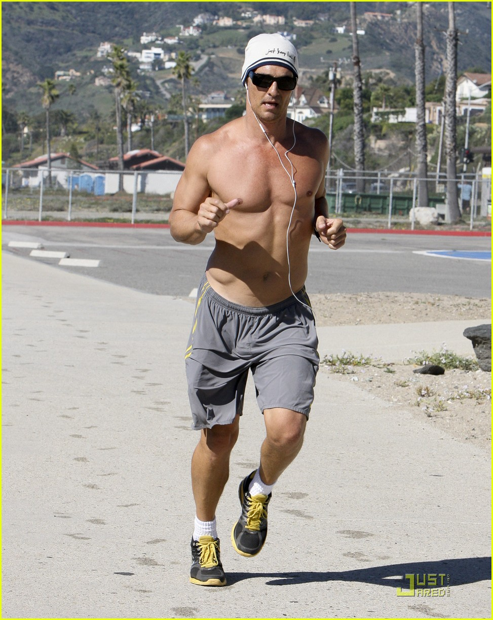 matthew mcconaughey shirtless beach run 13
