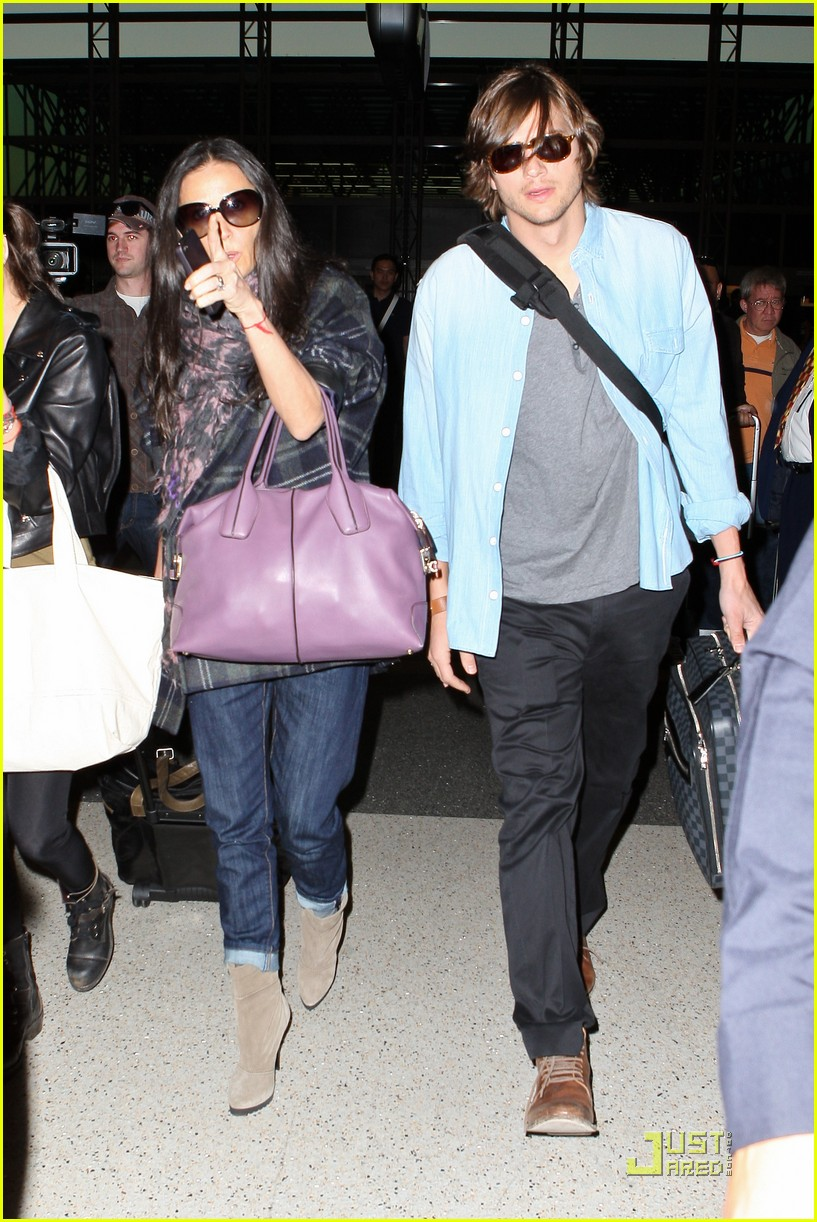 demi moore ashton kutcher en route to brazil 042514556
