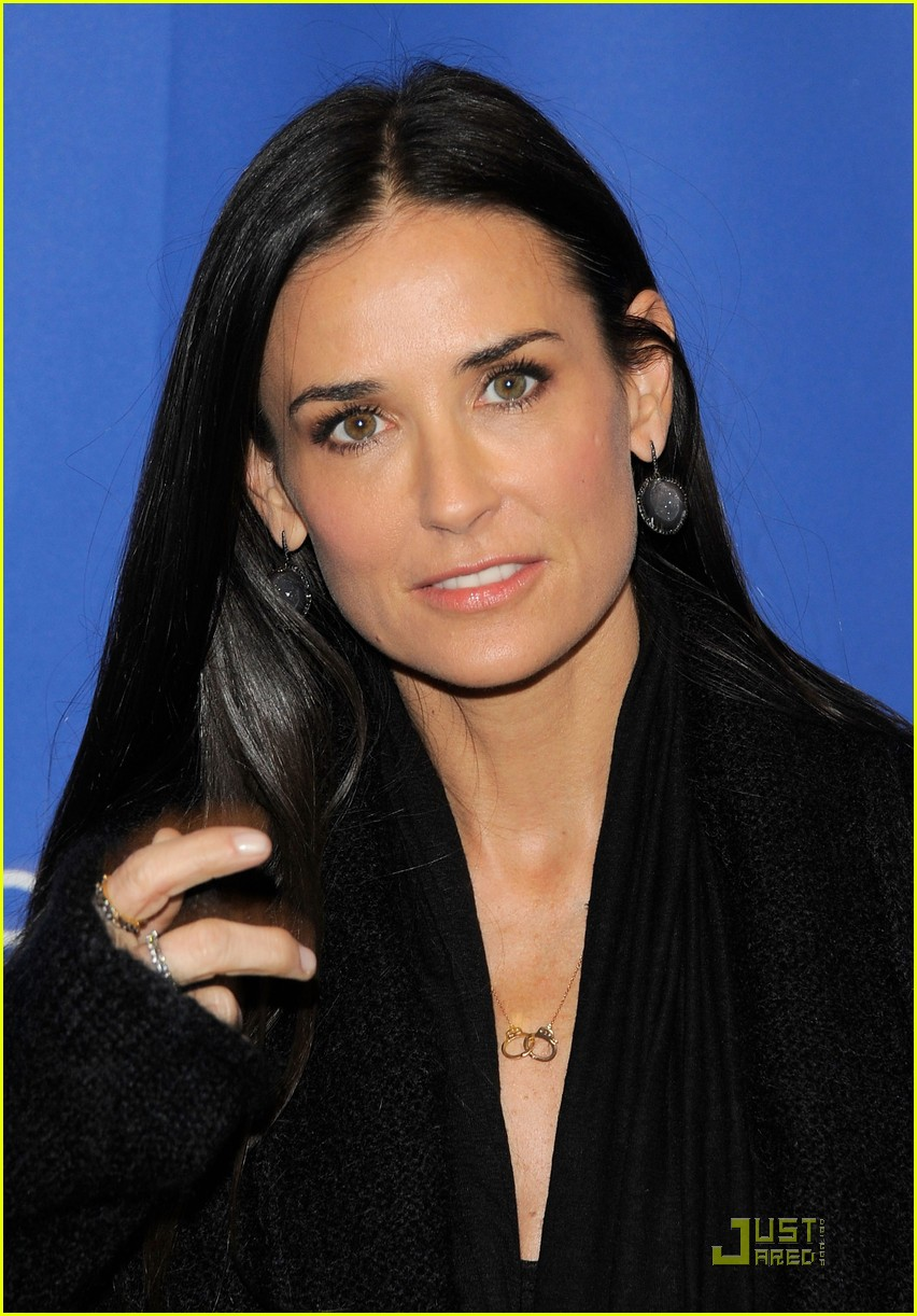 demi moore another happy day premiere 12
