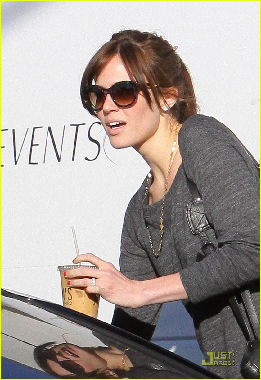 mandy moore ryan adams joans on third 032515064