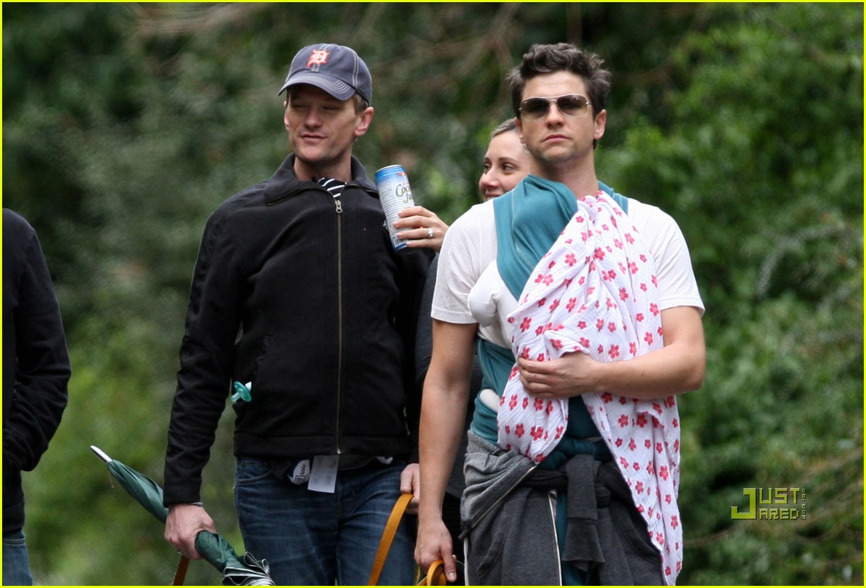 neil patrick harris david burtka walk twins 032515803