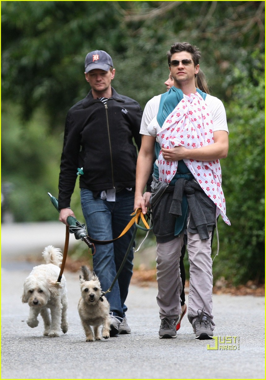neil patrick harris david burtka walk twins 082515808