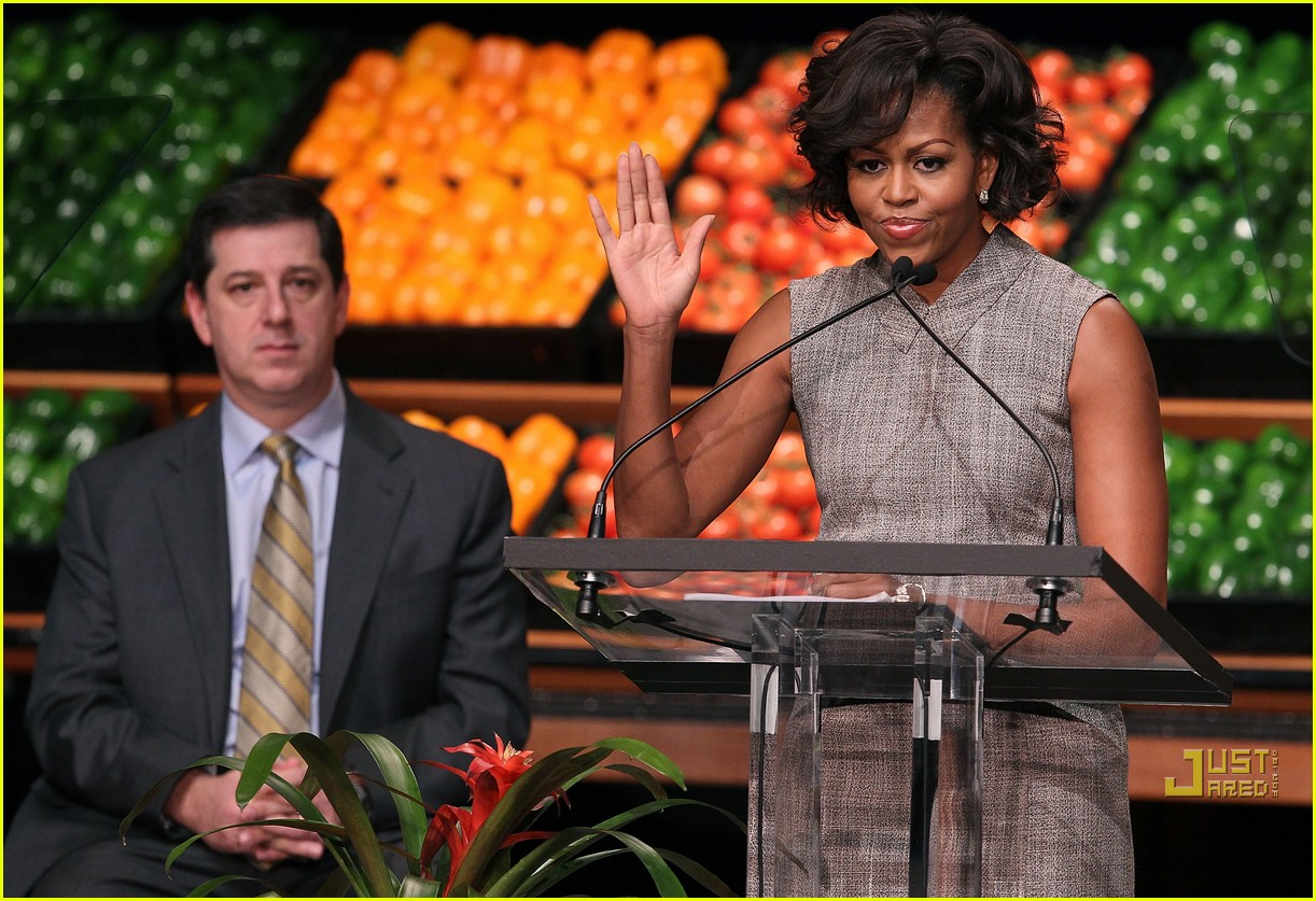 michelle obama china red 042513181