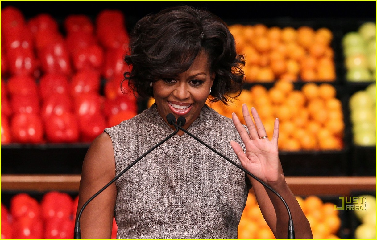 michelle obama china red 062513183