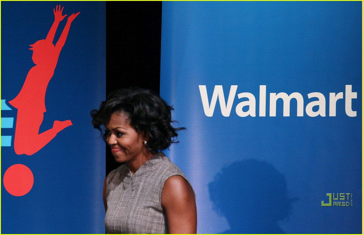 michelle obama china red 082513185