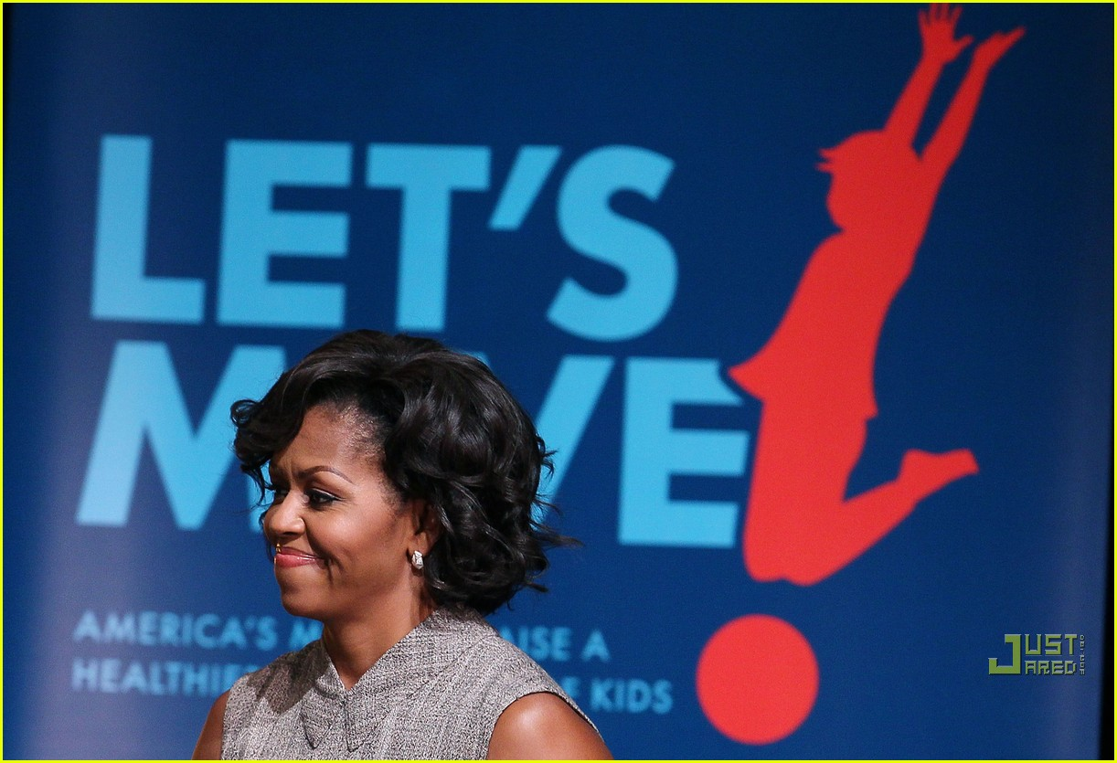 michelle obama china red 092513186