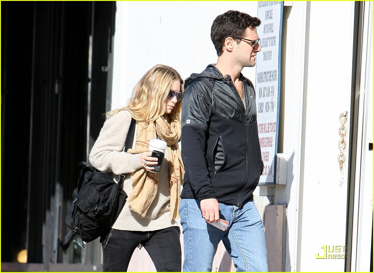 Ashley Olsen Justin Bartha Go Shopping 012508203