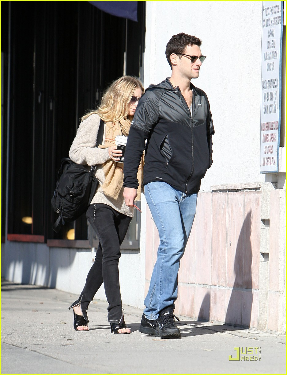 Ashley Olsen Justin Bartha Go Shopping 082508210