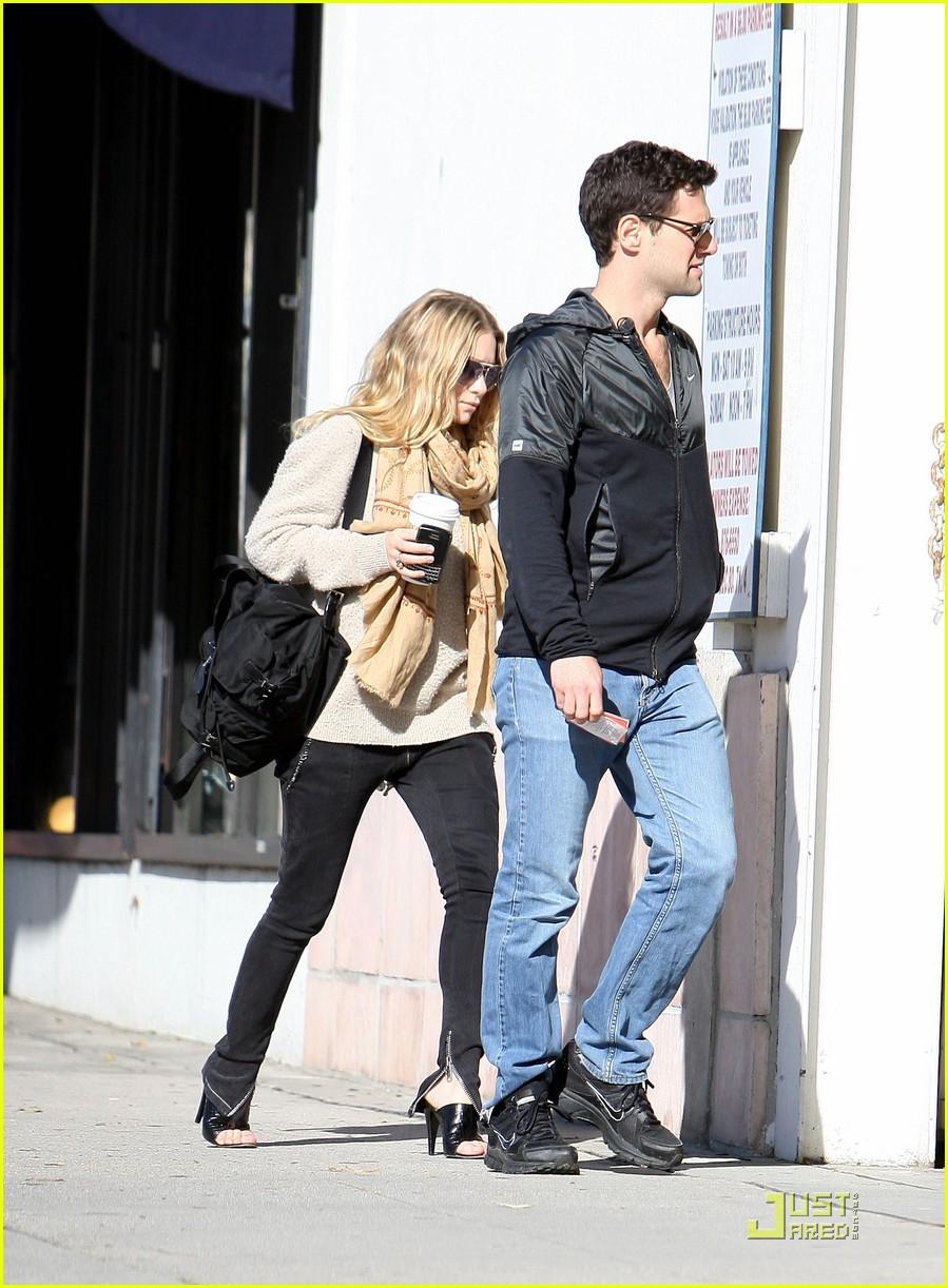 Ashley Olsen Justin Bartha Go Shopping 092508211