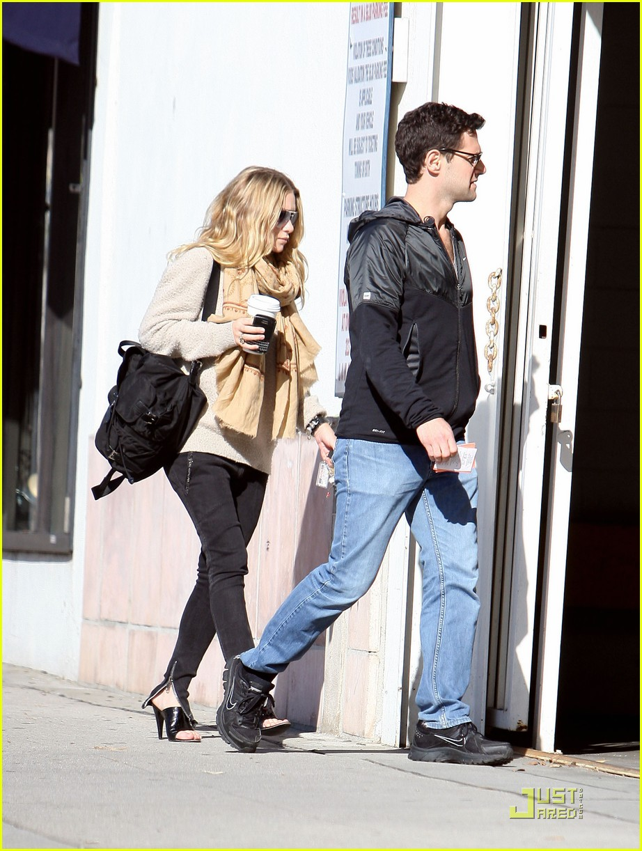 Ashley Olsen Justin Bartha Go Shopping 102508212