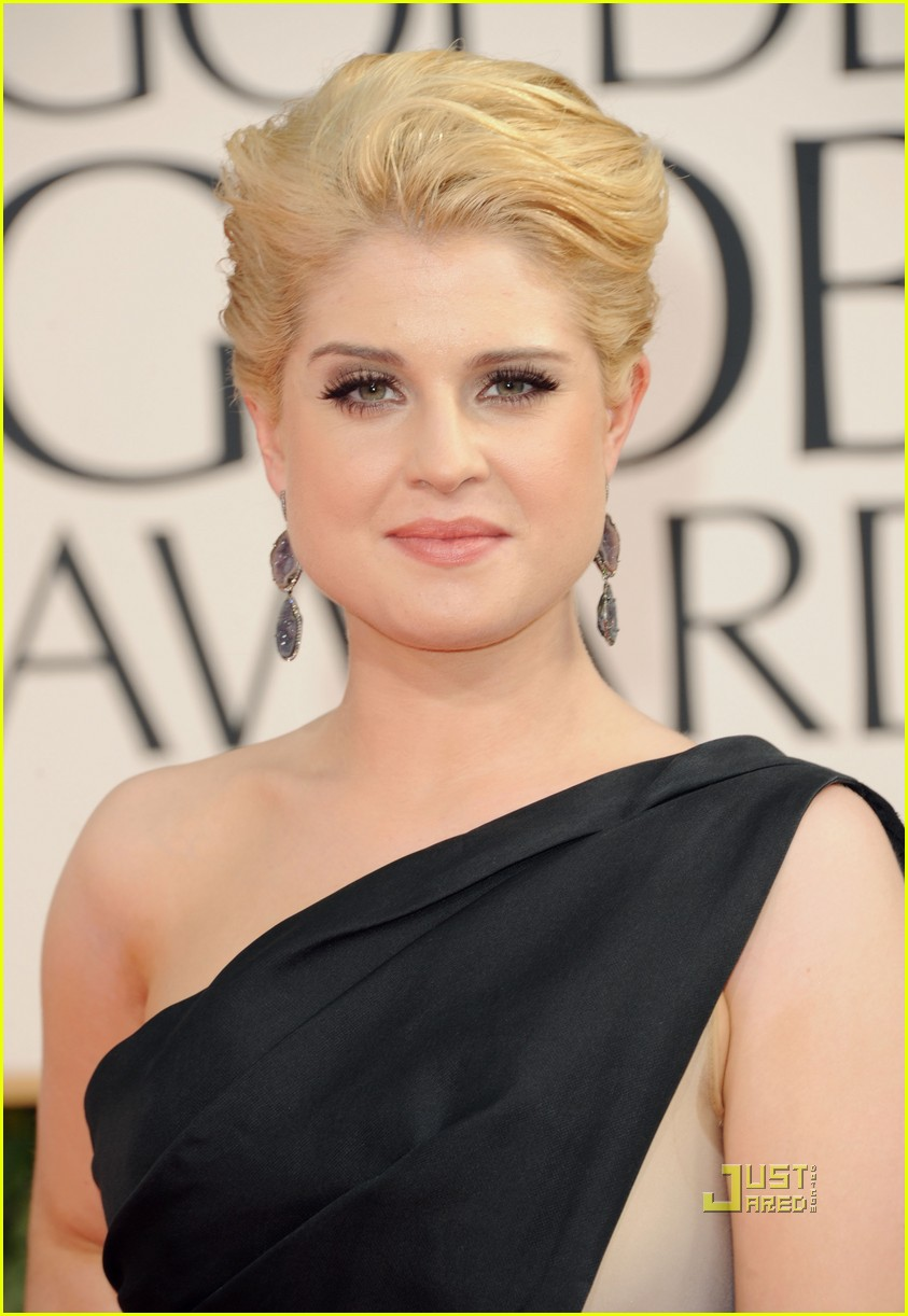 kelly osbourne golden globes red carpet 2011 08