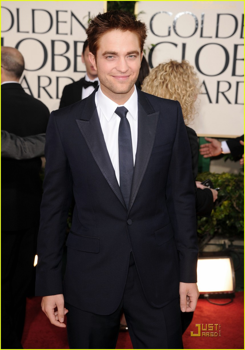robert pattinson golden globes 2011 02