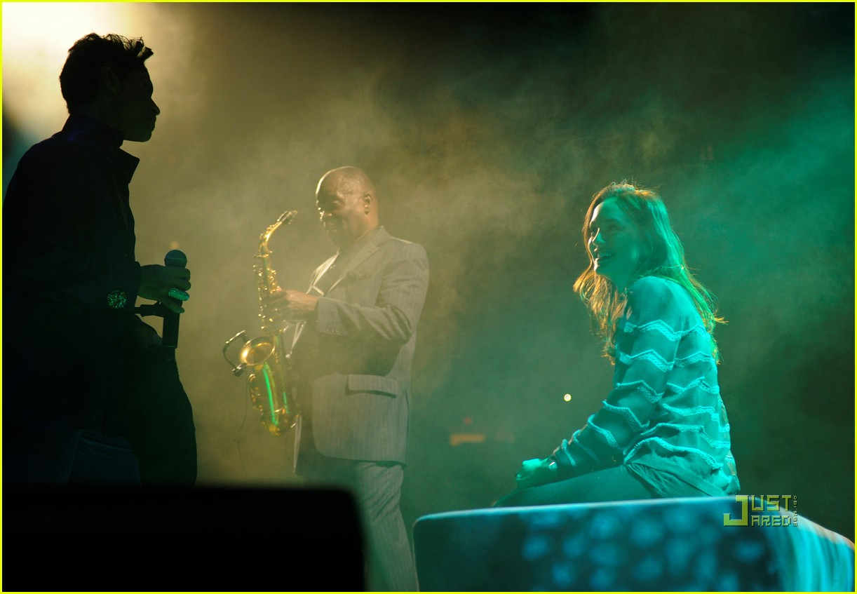 prince leighton meester concert 062512883