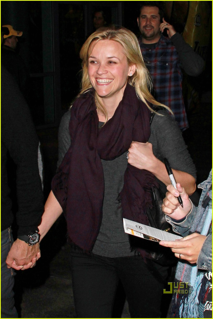 reese witherspoon jim toth lakers game 02