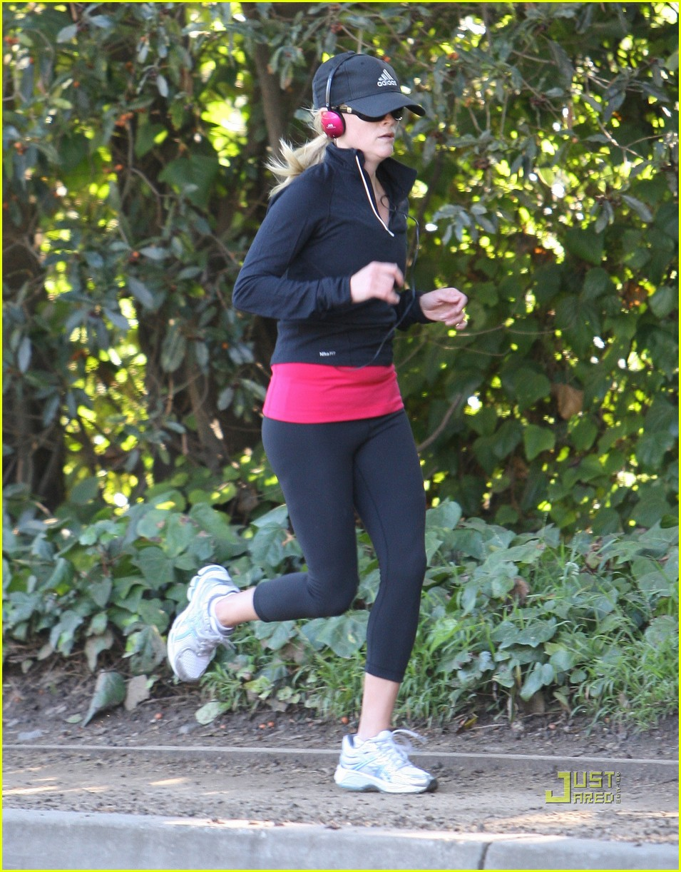 reese witherspoon jog adidas cap 112508124