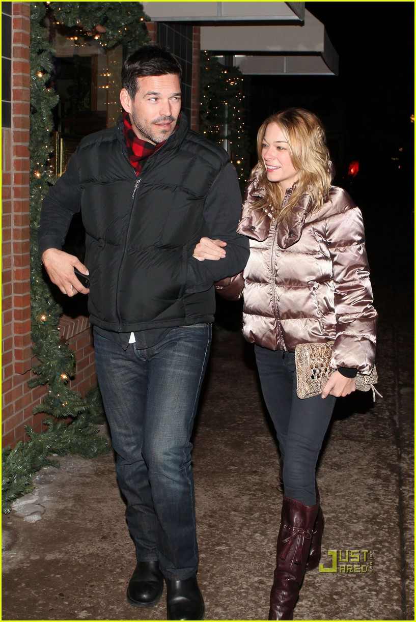 leann rimes eddie cibrian aspen dinner date 09