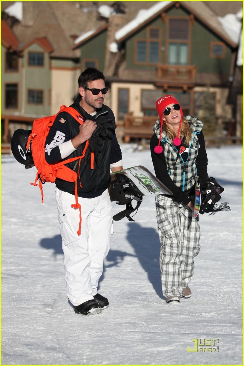 leann rimes eddie cibrian snowboarding 01