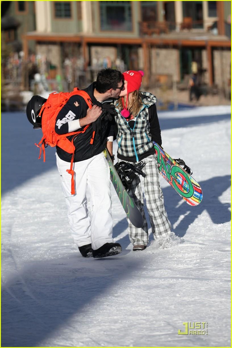 leann rimes eddie cibrian snowboarding 042515996