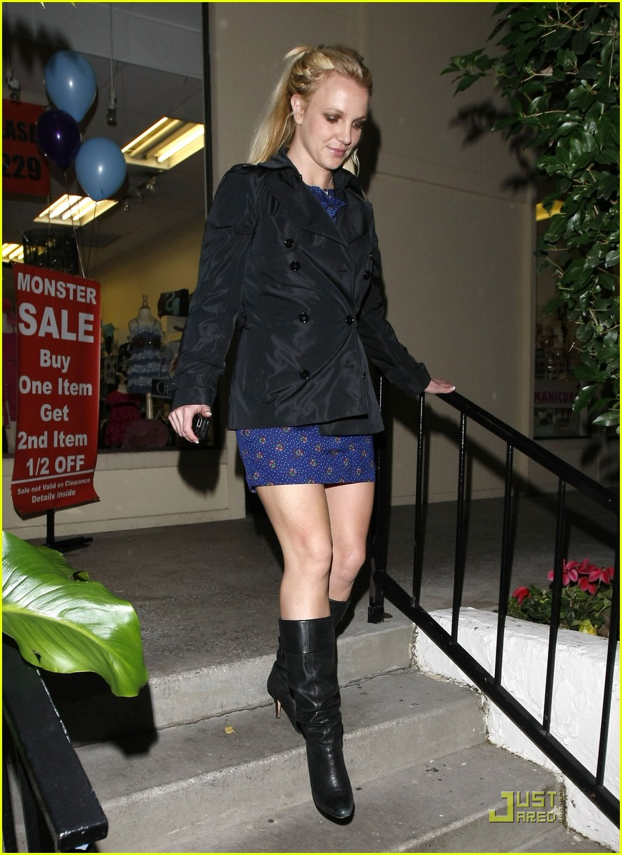 britney spears studio and salon day 01