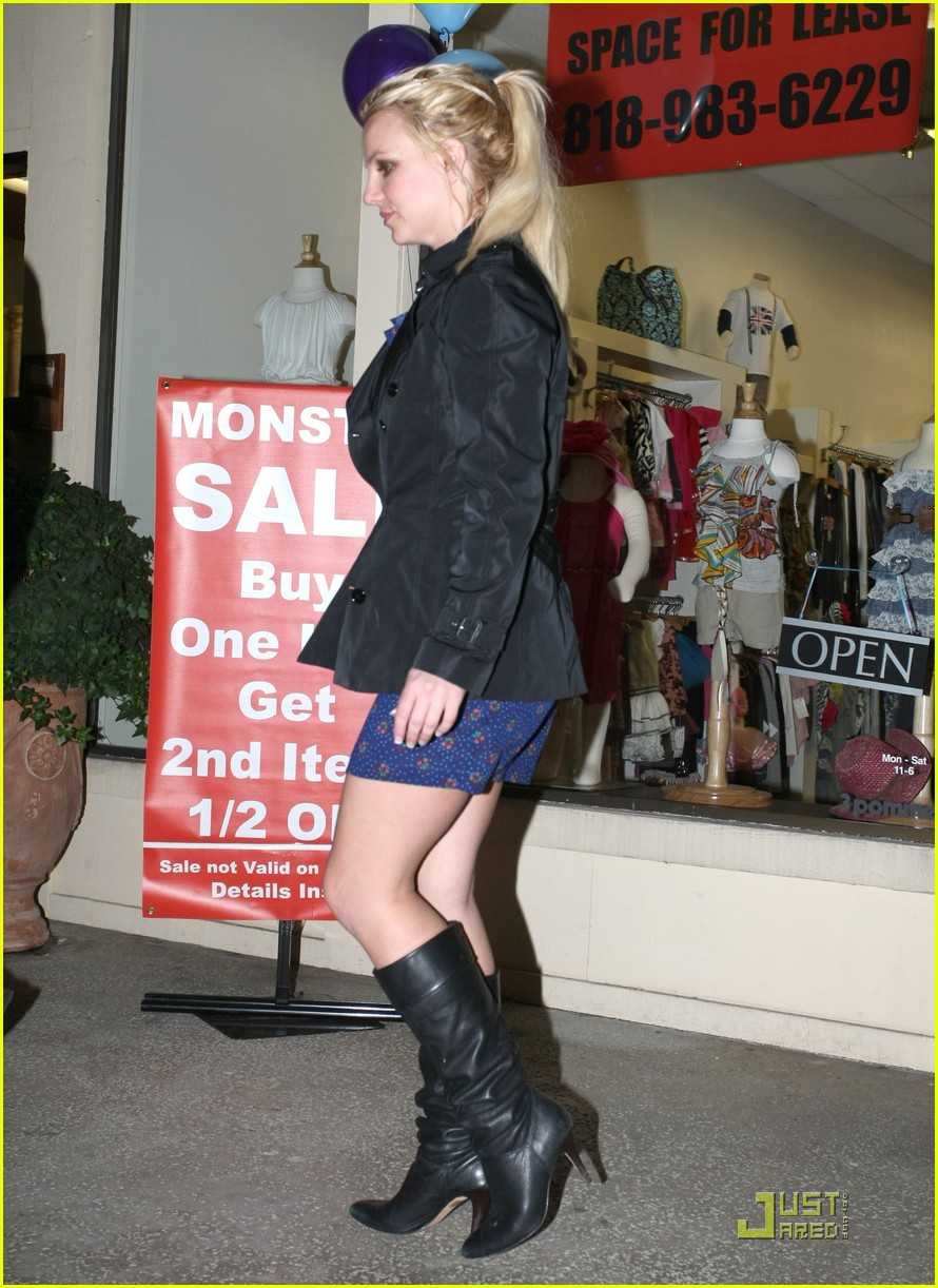 britney spears studio and salon day 11