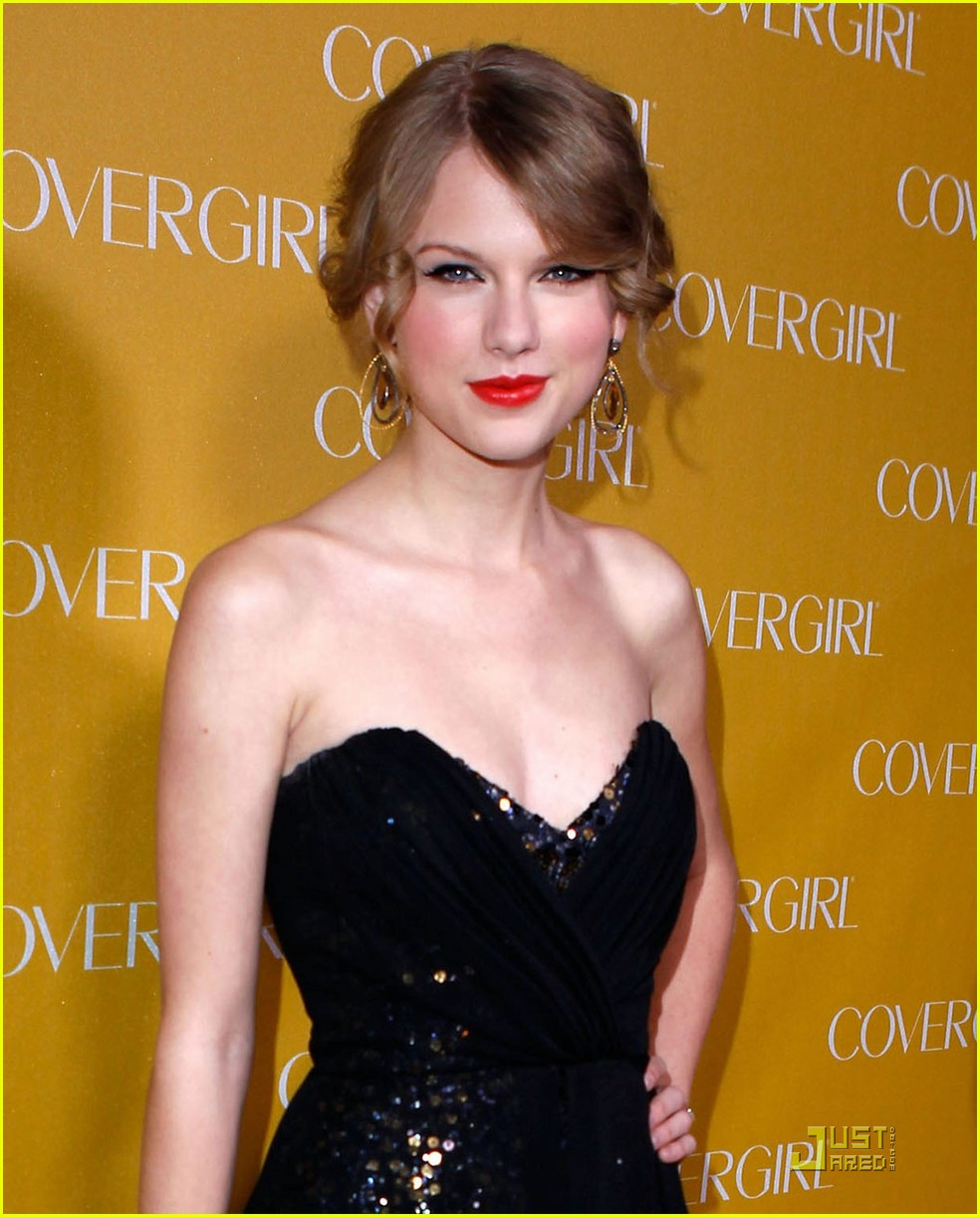 taylor swift covergirl 052508603