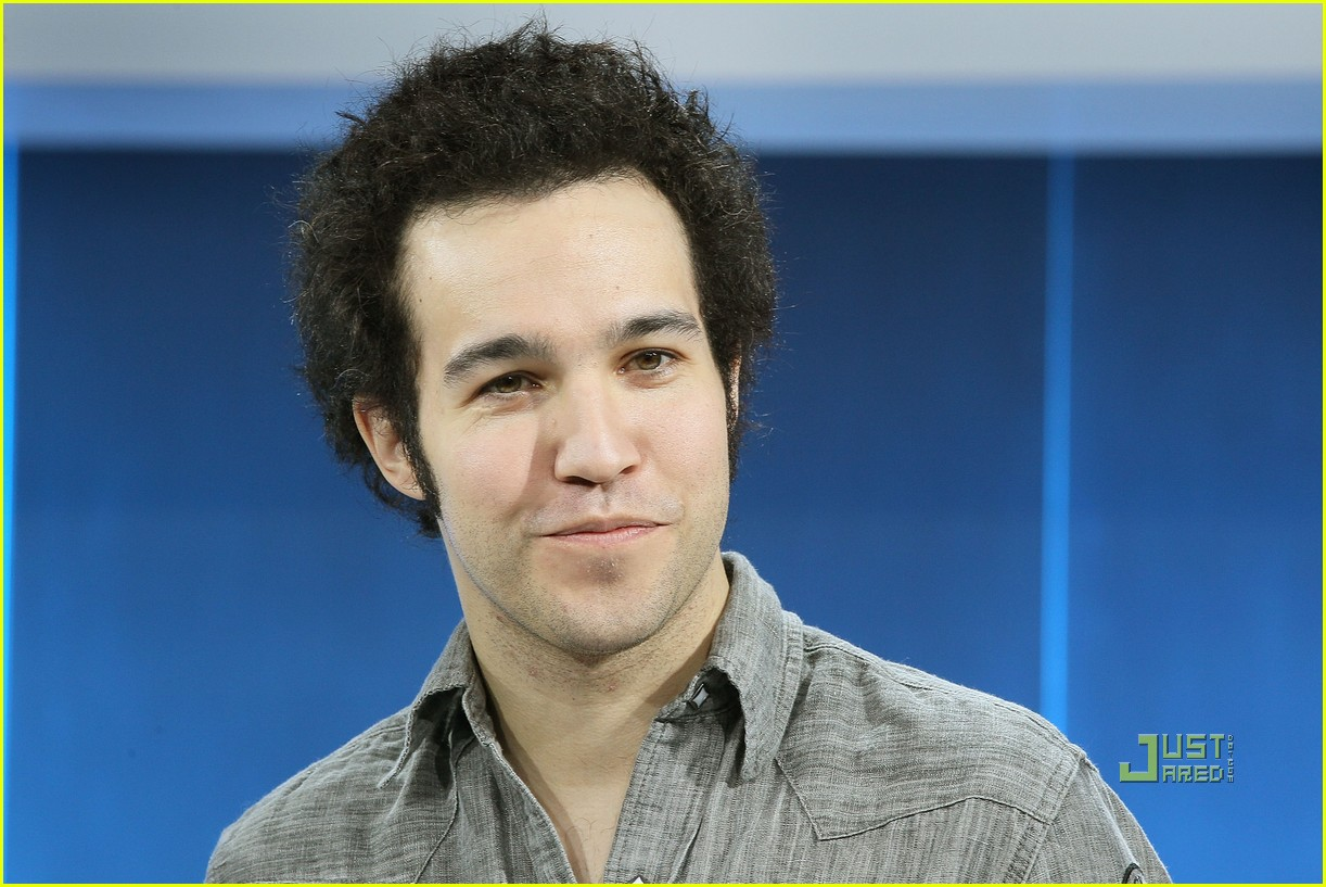 pete wentz short hair 01
